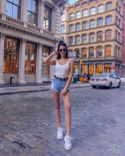 30 Comfortable and Charming Clothing ideas for sightseeing 4