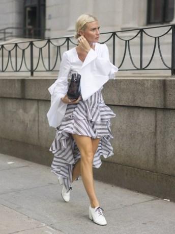 40 Asymmetric Skirts Street Styles Ideas 1
