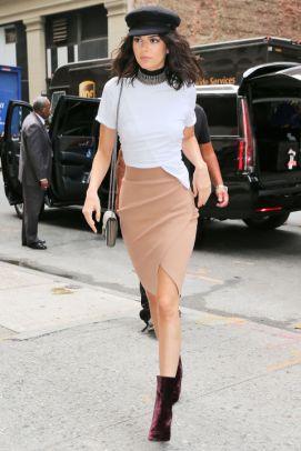 40 Asymmetric Skirts Street Styles Ideas 35