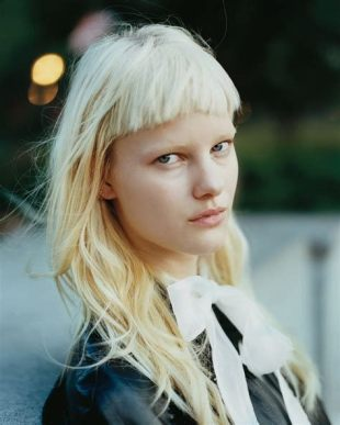40 Bangs Hairstyles You Need to Try Ideas 31