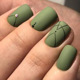 40 Chic Green Nail Art Ideas 1