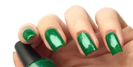 40 Chic Green Nail Art Ideas 3