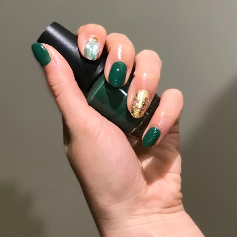 40 Chic Green Nail Art Ideas 32