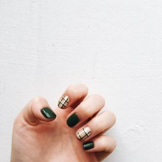 40 Chic Green Nail Art Ideas 33
