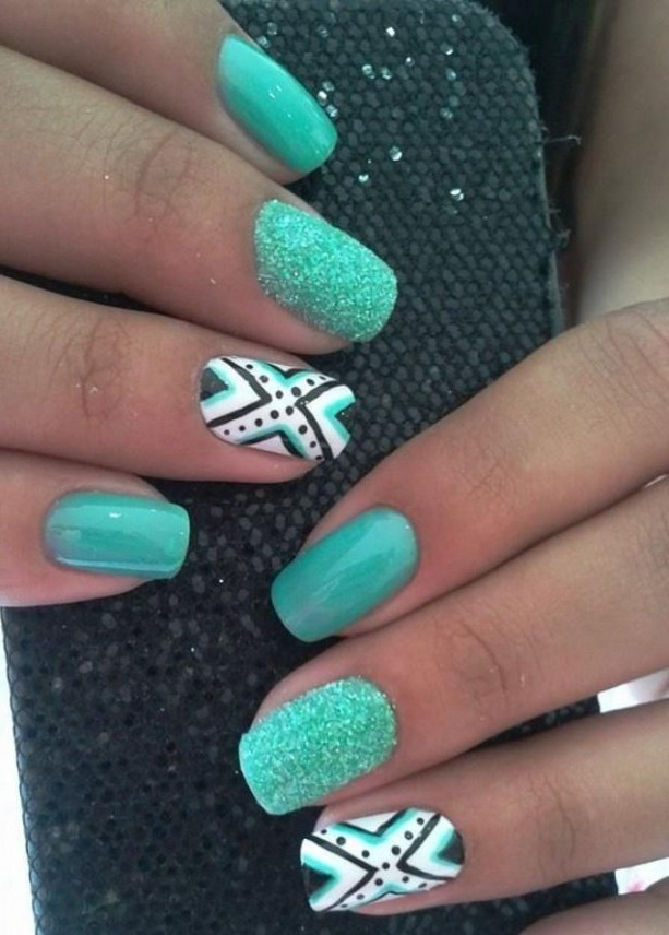 40 Chic Green Nail Art Ideas 34