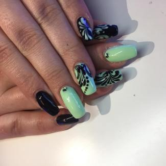 40 Chic Green Nail Art Ideas 35