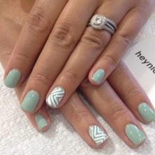40 Chic Green Nail Art Ideas 5