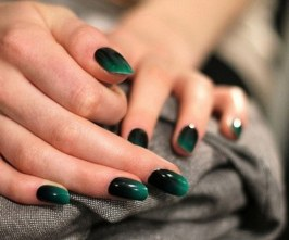 40 Chic Green Nail Art Ideas 7