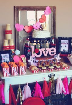 40 Chic Valentine Party Decoration Ideas 16