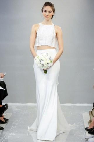 40 Einfache Crop Top Brautkleider Ideen 20