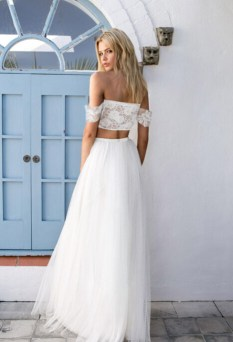 40 Einfache Crop Top Brautkleider Ideen 24