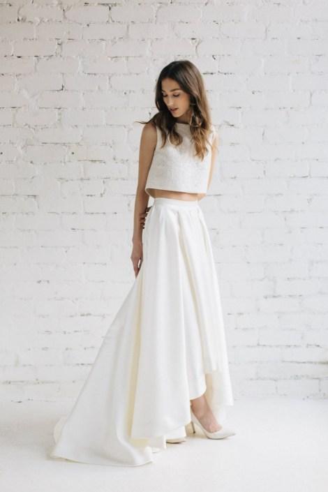 40 Einfache Crop Top Brautkleider Ideen 25