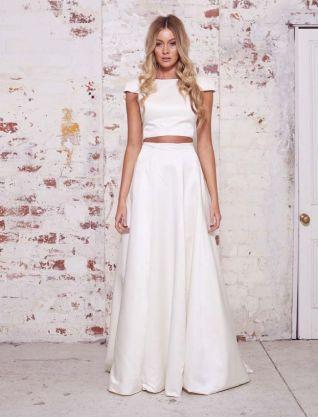 40 Einfache Crop Top Brautkleider Ideen 36