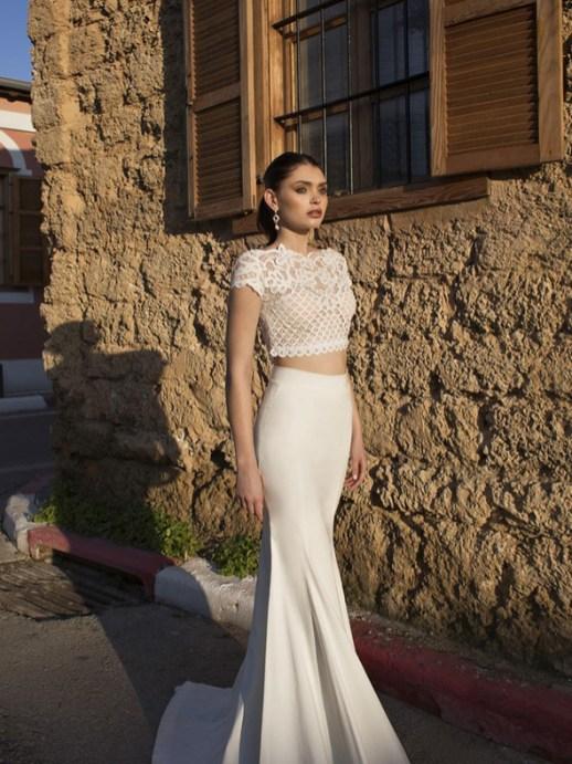 40 Einfache Crop Top Brautkleider Ideen 39