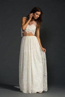 40 Einfache Crop Top Brautkleider Ideen 43