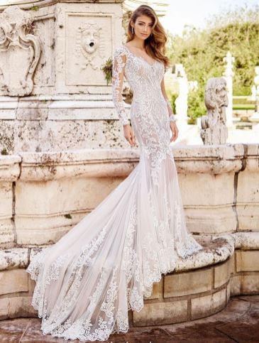 40 Fit and Flare With Long Train Wedding Dresses Ideas 19