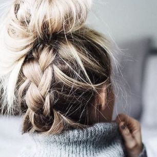 40 High Messy Bun Hairstyles Ideas 26