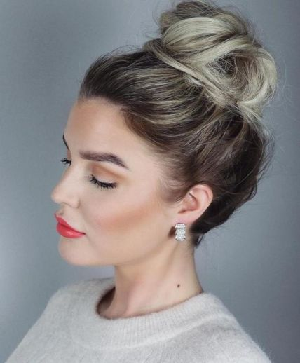 40 High Messy Bun Hairstyles Ideas 37