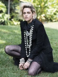 40 How to Wear a Pearl Necklace Ideas 37