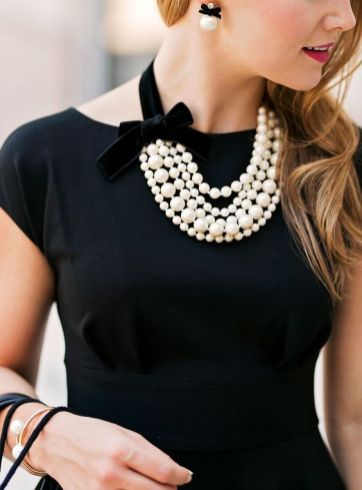 40 How to Wear a Pearl Necklace Ideas 4