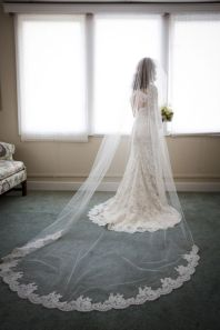 40 Long Viels Wedding Dresses Ideas 14