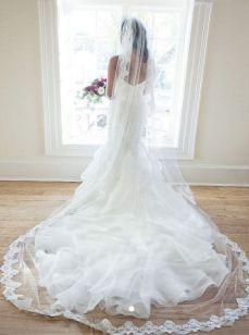 40 Long Viels Wedding Dresses Ideas 21
