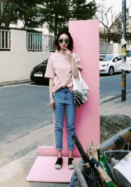 40 Pink T Shirt Street Styles Ideas 25