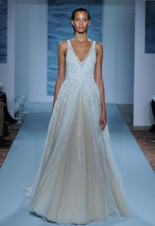 40 Shimmering Bridal Dresses Ideas 27