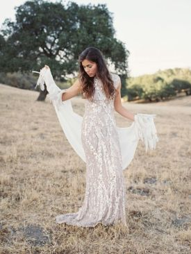 40 Shimmering Bridal Dresses Ideas 36
