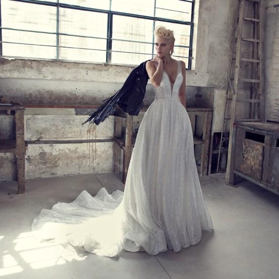 40 Shimmering Bridal Dresses Ideas 44