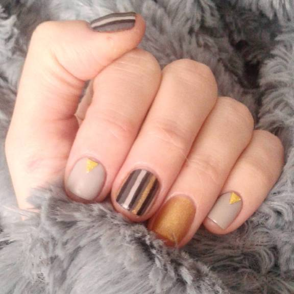 40 Simple Grey Nail Art Ideas 30 2