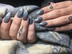 40 Simple Grey Nail Art Ideas 32 2