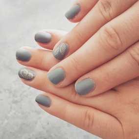 40 Simple Grey Nail Art Ideas 34 2