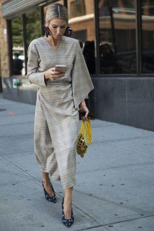 40 Stylish Asymmetric Dress Ideas 11