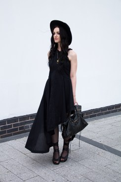 40 Stylish Asymmetric Dress Ideas 32
