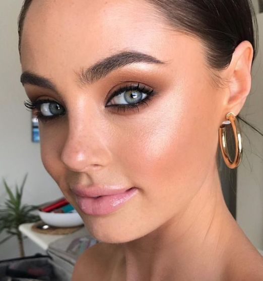 40 Summer Makeup Look Ideas 37