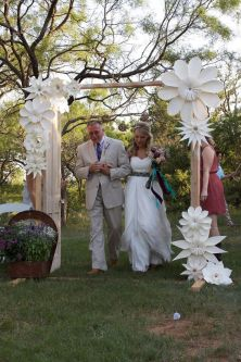 40 Ways to Use Paper Flowers At Your Wedding 25