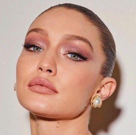 40 Ways to Wear Pink Lipstick Ideas 16