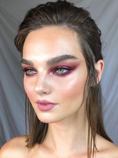 40 Ways to Wear Pink Lipstick Ideas 25