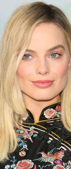 40 Ways to Wear Pink Lipstick Ideas 26