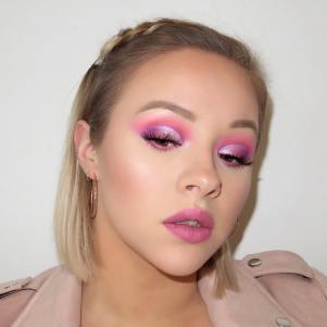 40 Ways to Wear Pink Lipstick Ideas 28