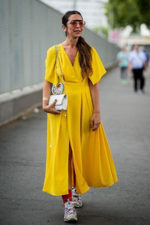 40 Yellow Outfits in Fashion Ideas 27
