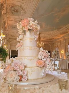 50 Gold Wedding Cakes Ideas 20