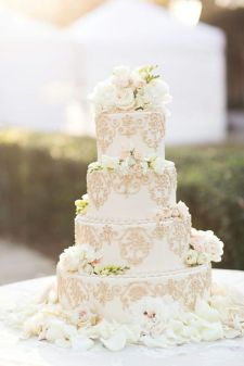 50 Gold Wedding Cakes Ideas 4
