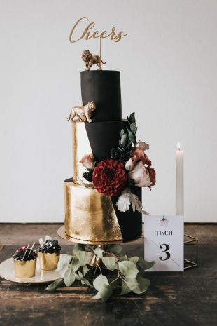 50 Gold Wedding Cakes Ideas 51