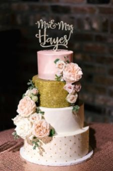50 Gold Wedding Cakes Ideas 56