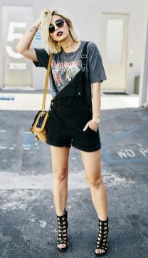 50 How to Wear an Oversized T Shirt Ideas 11