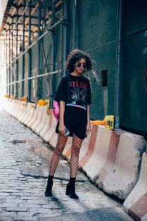 50 How to Wear an Oversized T Shirt Ideas 12