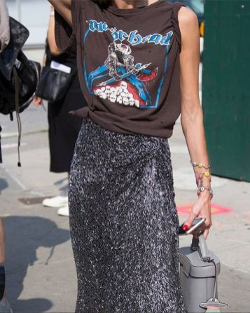 50 How to Wear an Oversized T Shirt Ideas 23
