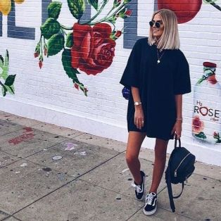 50 How to Wear an Oversized T Shirt Ideas 29